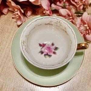 tasse et sous tasse Alice aux pays des merveilles