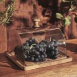 plat naturel et cloche en verre comptoir de famille