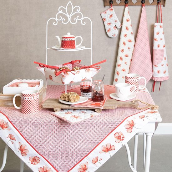 linge de table style campagne chic fleurs blanches et rouges